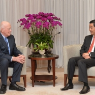 Hong Kong chief executive meets U.S. Congressional delegation