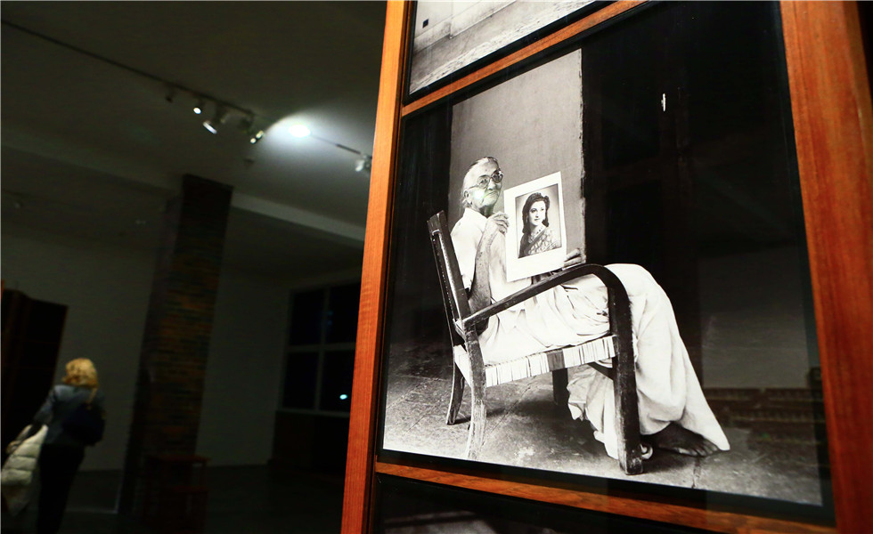 "Exhibition of ""Dayanita Singh Go Away Closer"" in Germany"