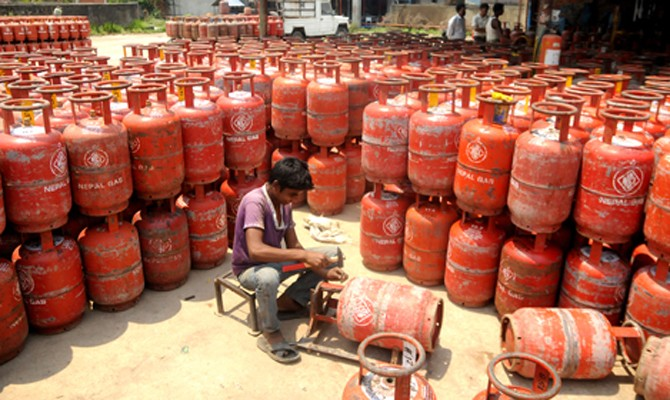 Nepali housewives suffer due to gas shortage