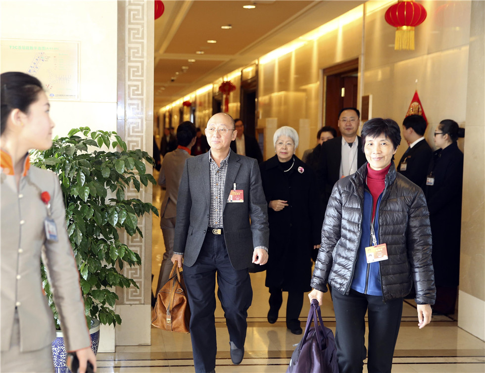 "CPPCC members registers for ""two sessions"""