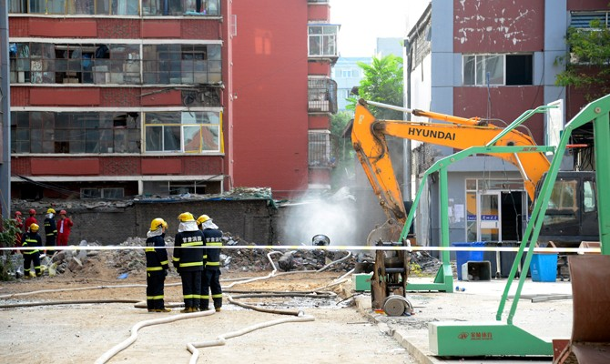 Illegal demolitions blamed for NW China college dorm blast