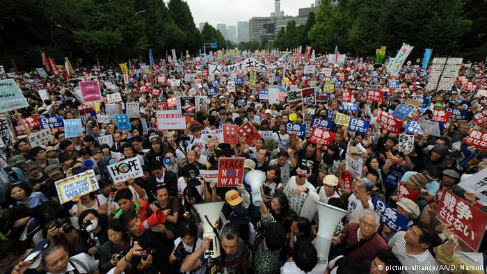 120,000 protesters surround Japan's Diet against security bills